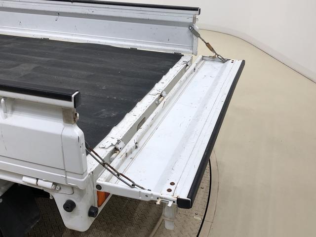 キャリイトラックKCエアコン・パワステ 4WD ハロゲンヘッドライト 5MTマニュアルエアコン チケットホルダー付きサンバイザー 引き上げ式サイドブレーキ AM・FMラジオ スチールホイール(広島県)の中古車